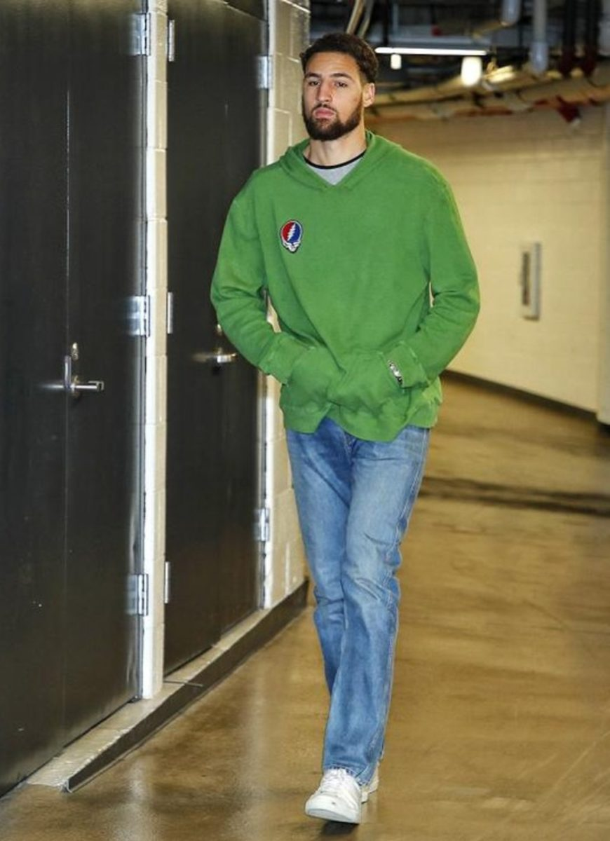 Klay Thompson wearing Billy Boy Jean and Desert Hoodie
